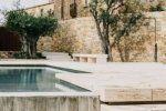Μεγάλη εταιρία μεταμορφώνει τον κήπο ισπανικού μεσαιωνικού κάστρου στην Καταλονία