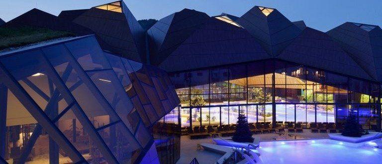 Νέα πνοή με πρωτοποριακή οροφήΝέα πνοή με πρωτοποριακή οροφή