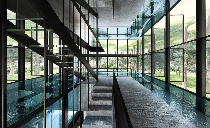 Πισίνα τοποθετημένη σε γυάλινο πλαίσιο σε κατοικία στο δάσος