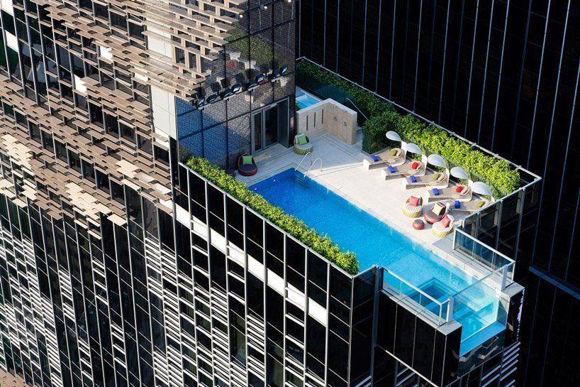 Πισίνα που κόβει την ανάσα σε ξενοδοχείο στο Χονγκ Κονγκ