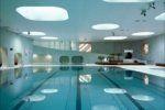 Εγκαταστάσεις κολύμβησης στη Γαλλία  φωτίζονται από στρογγυλεμένους φεγγίτες